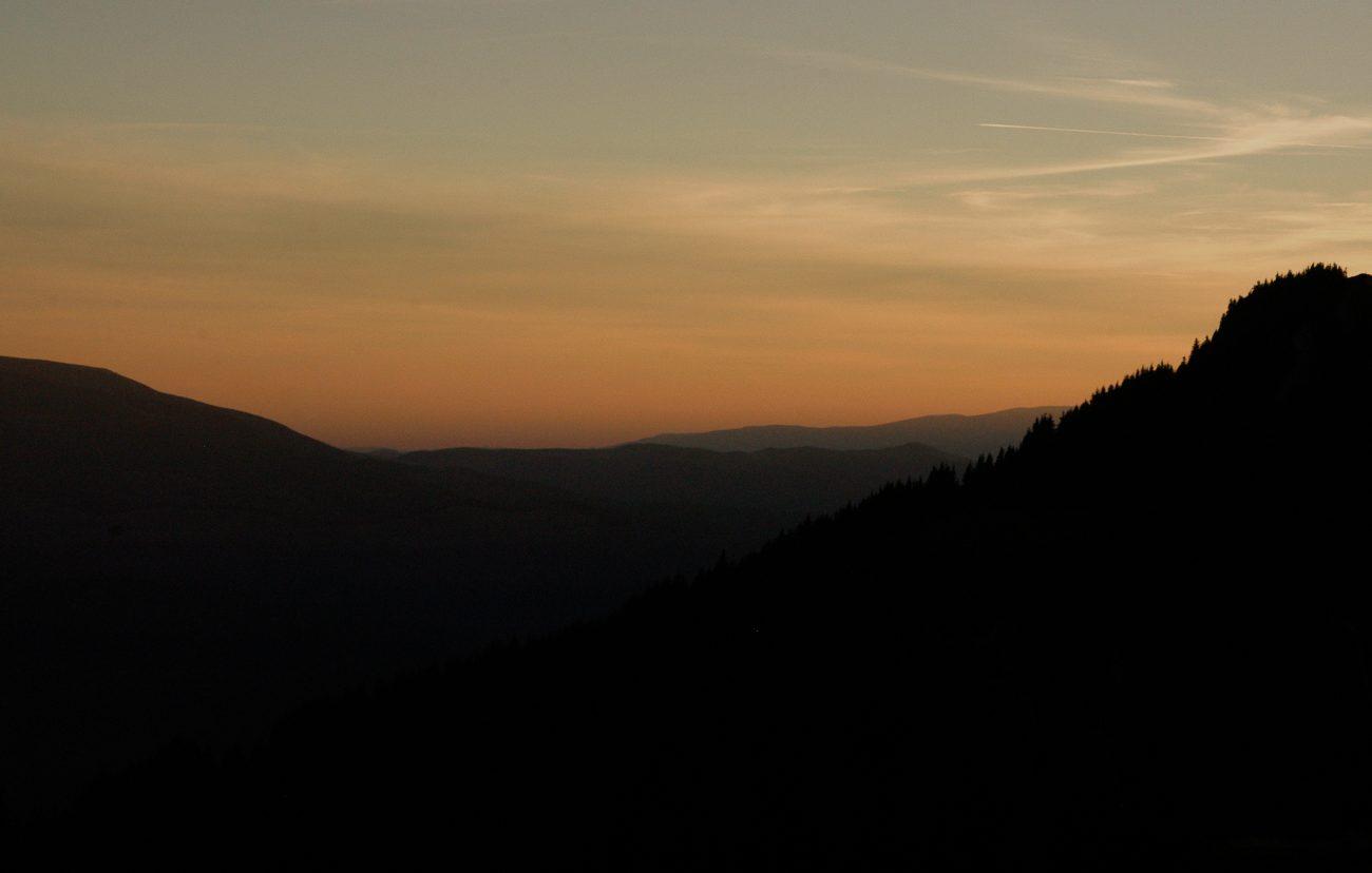 Apus asupra muntilor Ciucas