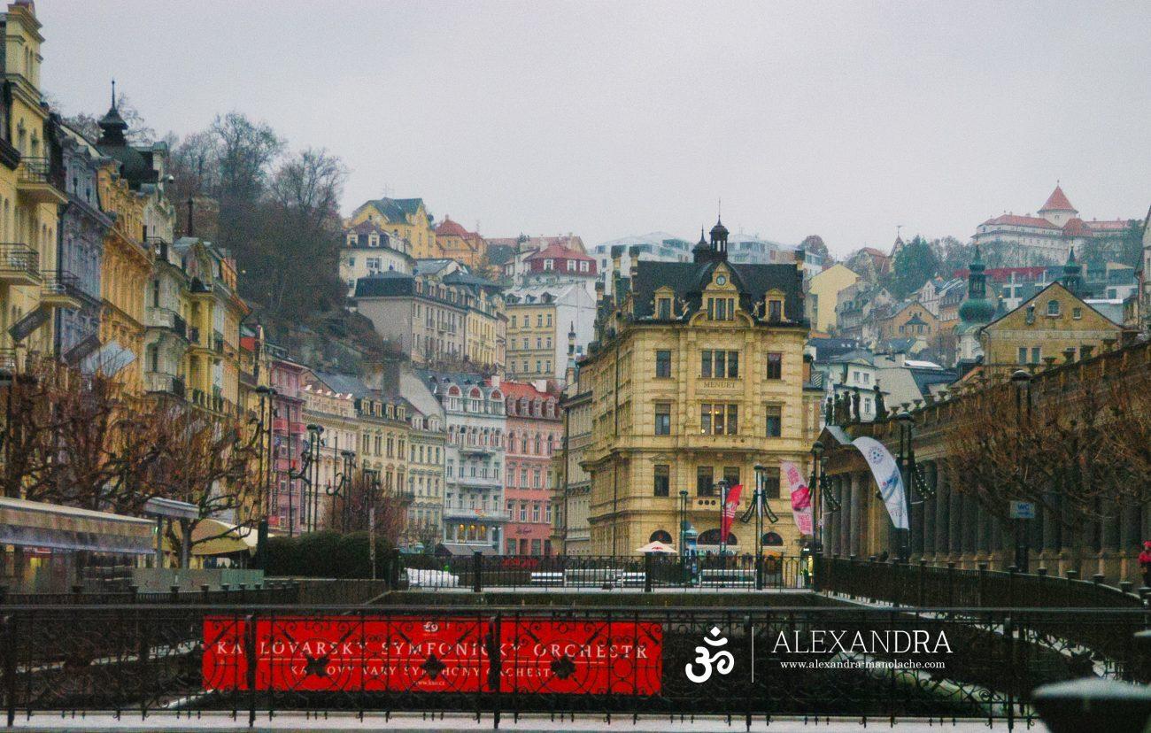 Cladiri colorate Karlovy Vary